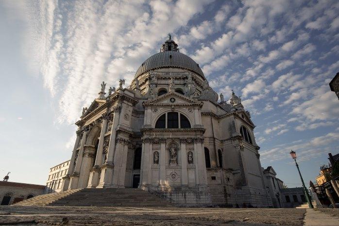 Chiesa di Santa Maria della Salute, Venezia in un giorno