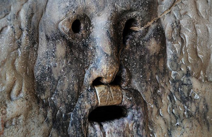 La Bocca della Verità è sicuramente una delle attrazioni turistiche più amate di Roma.