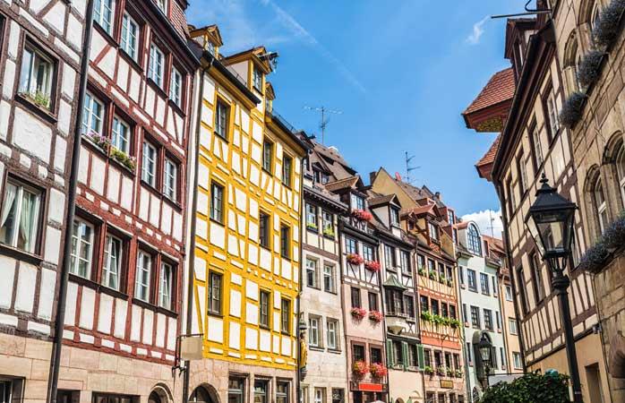 Passeggiare lungo Weissgerbergasse è come fare un salto in un libro di storia