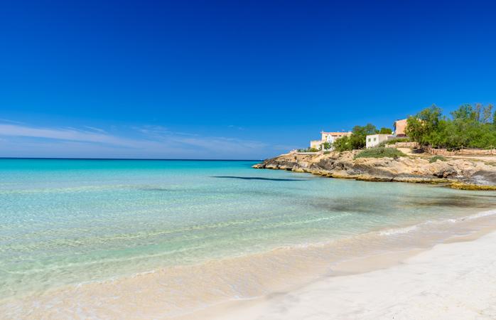 Sole, mare e sabbia: le spiagge nascoste più belle d'Europa