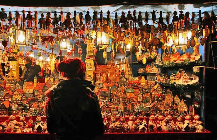 Il mercatino Christkindlesmarkt di Norimberga accoglie due milioni di visitatori all'anno