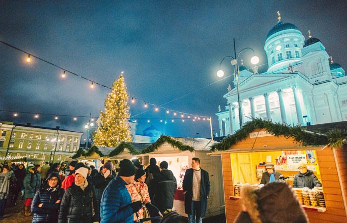 C'è anche Babbo Natale nel mercatino di Natale di Helsinki